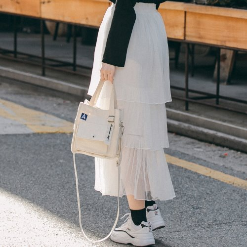 MINI A LABEL CROSS BAG (IVORY)