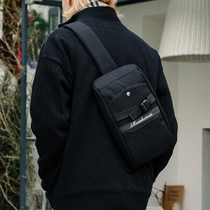 FRONT BUCKLE SLING BAG (BLACK)