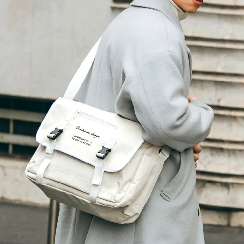 CLAP CLAP MESSENGER BAG (IVORY)