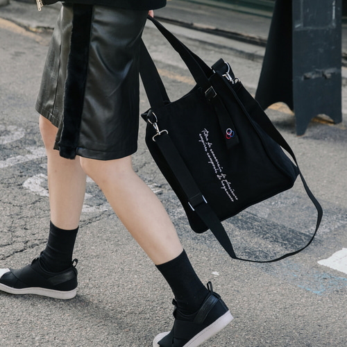 NEW AH CHOO SHOULDER BAG (BLACK)