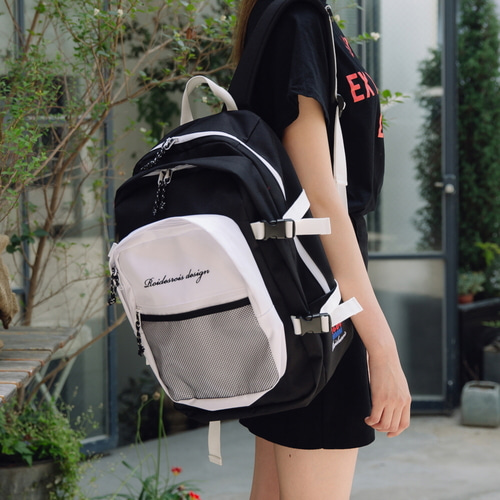 OH OOPS BACKPACK (BLACK/WHITE)