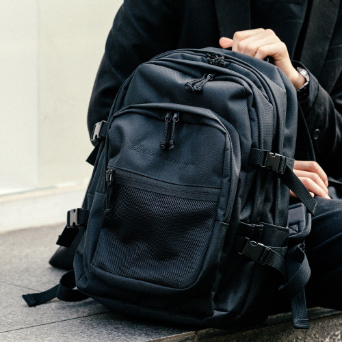 OH OOPS BACKPACK (ALL BLACK)