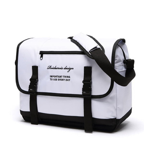[창고개방]CLAP CLAP MESSENGER BAG (WHITE)